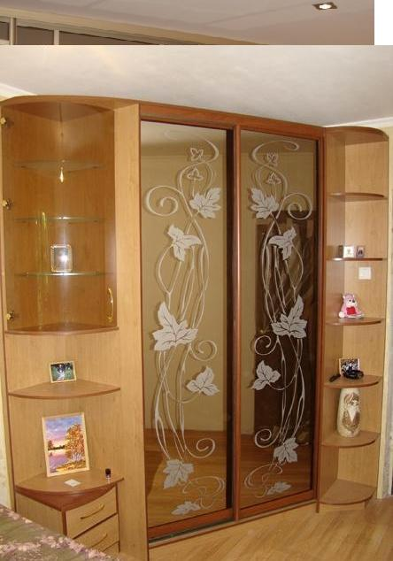 Шкаф угловой в спальню